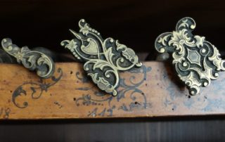Historická knihařská tlačítka