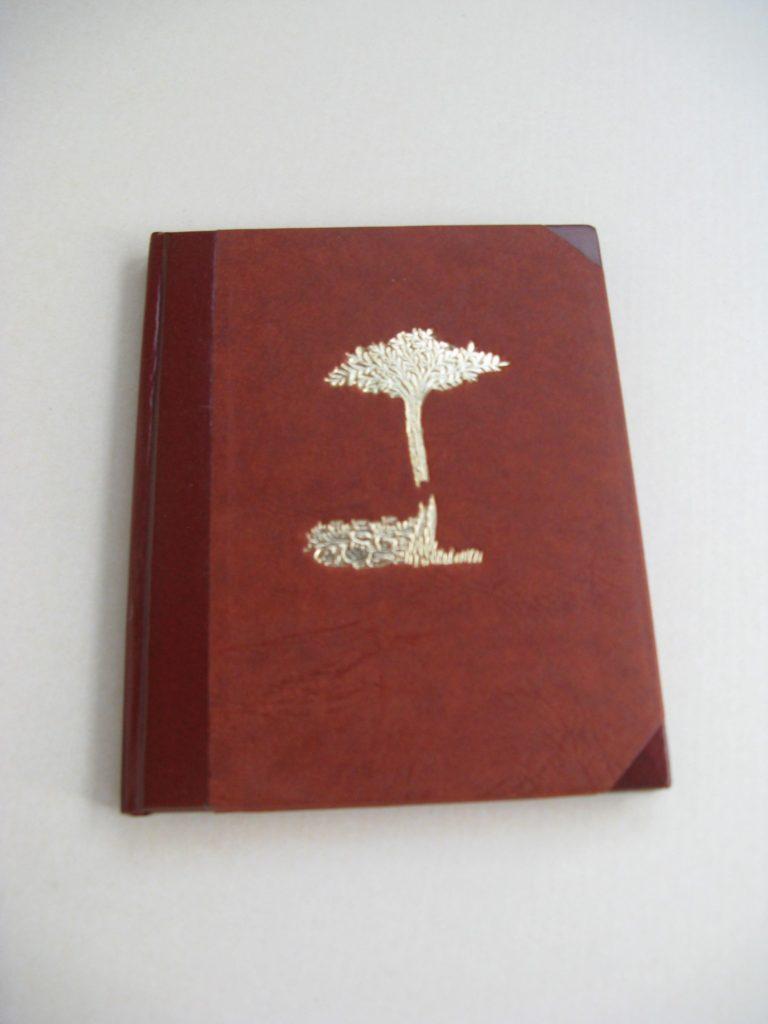 Zápisník zdobený zlacením - výrobek z naší knihařské dílny