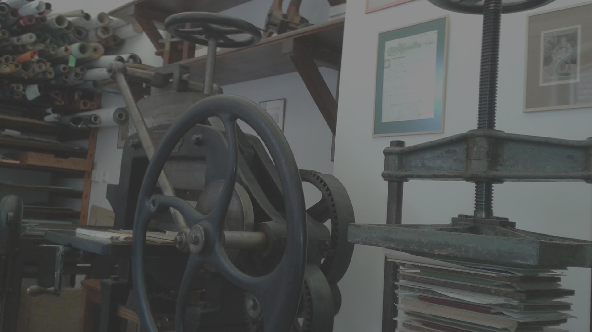 Knihvazačská dílna - knihařské stroje a nástroje