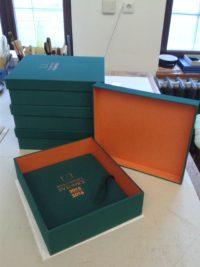 Výrobek našeho knihařství - kroniky v kazetě