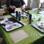 Barvení papírů