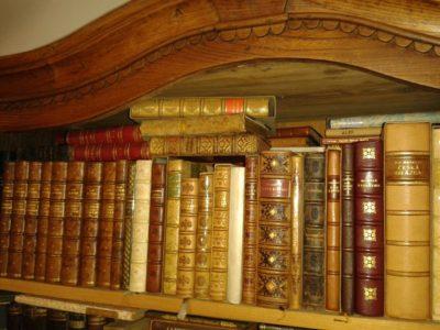 Upozornění na umělecké knižní vazby Jendy Rajmana